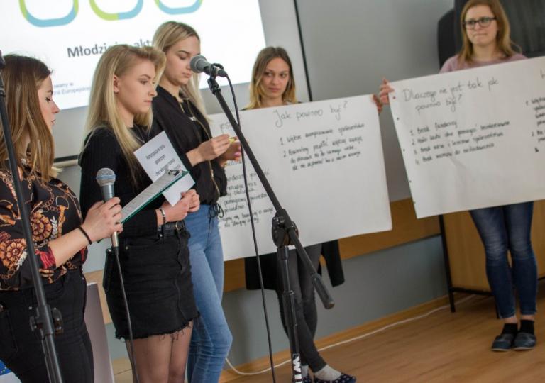 Debata z udziałem ekspertów i decydentów w Jędrzejowie